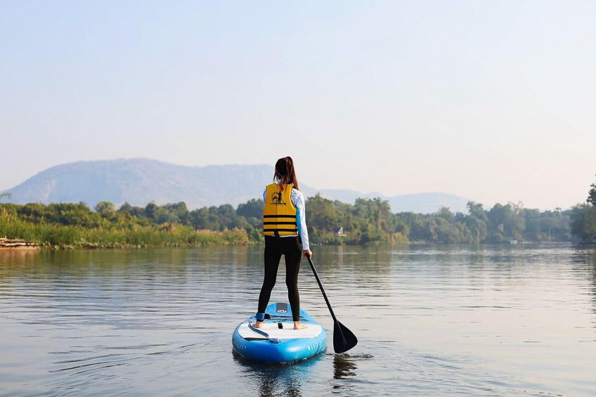 ที่เที่ยวกาญจนบุรี พาย SUP แม่น้ำแคว