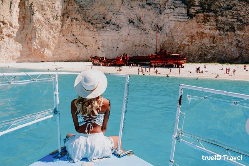 ที่เที่ยวกรีซ ทะเลสวย Navagio Beach ตามรอยซีรีส์