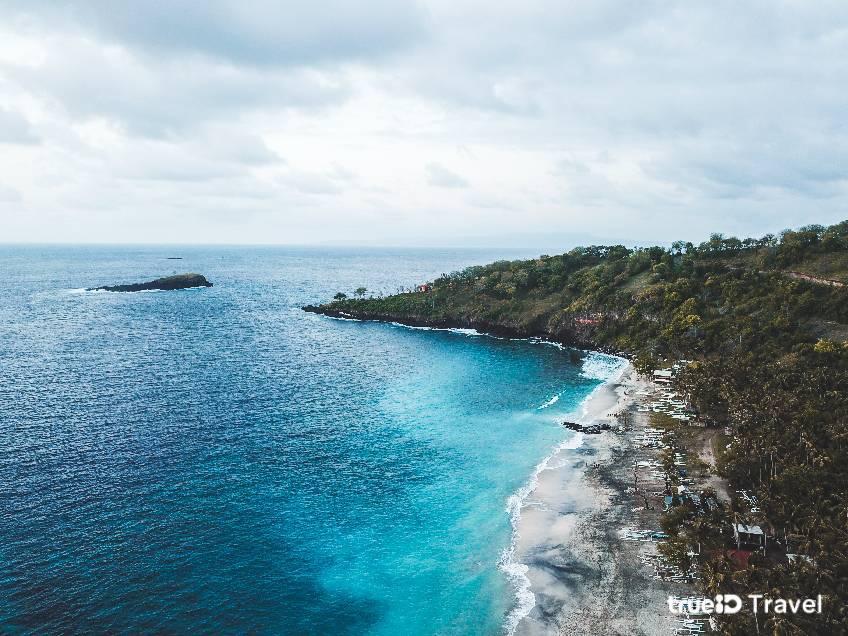 หาดปาซีร์ ปูติห์ (Pasir Putih) ชายหาดเล็กๆ บนเกาะซาโมซีร์