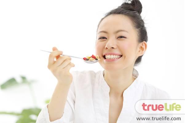 กินอย่างไร ให้สวยใสไร้สิว ผิวสุขภาพดี