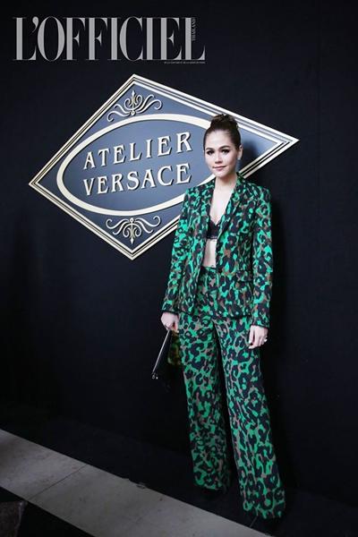 6.ชมพู่-อารยา พร้อมสำหรับชมแฟชั่นโชว์แรก Versace