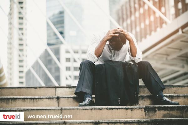 7 สัญญานเตือน ว่าคุณควรเลิกเสียเวลากับผู้ชายแบบนี้สักที