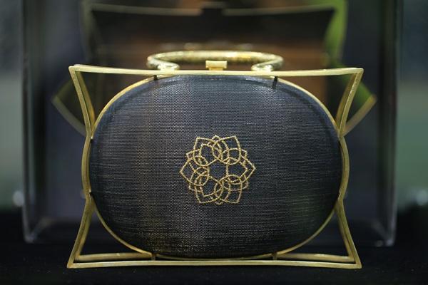 PHYA จัดแฟชั่นโชว์ครั้งยิ่งใหญ่ เปิดตัวกระเป๋าคอลเลกชั่นพิเศษ ณพัฒน์ เพื่อ มูลนิธิชัยพัฒนา