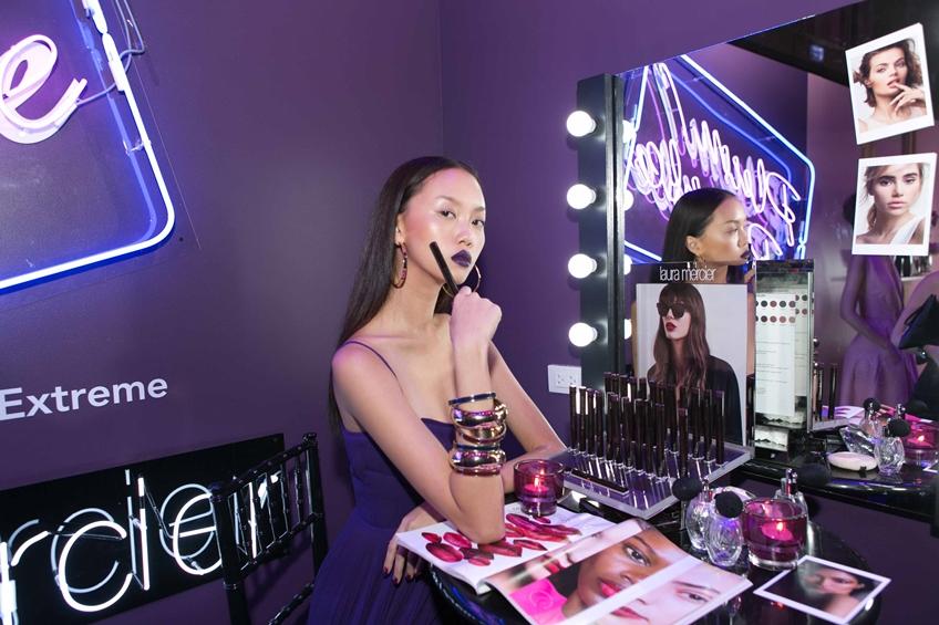ของใหม่ต้องสอย! Laura Mercier Velour Extreme Matte Lipstick กับ 24 เฉดสีสันจัดจ้าน