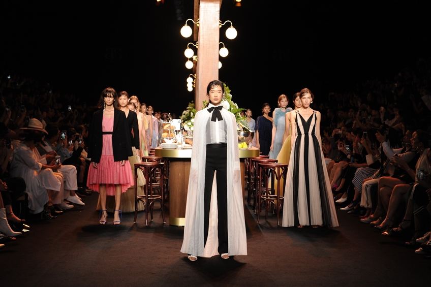 Asv พาสำรวจนิยามบทใหม่ 2 Little Words 1 Big Concept - Soulmate ในงาน ELLE Fashion Week 2018