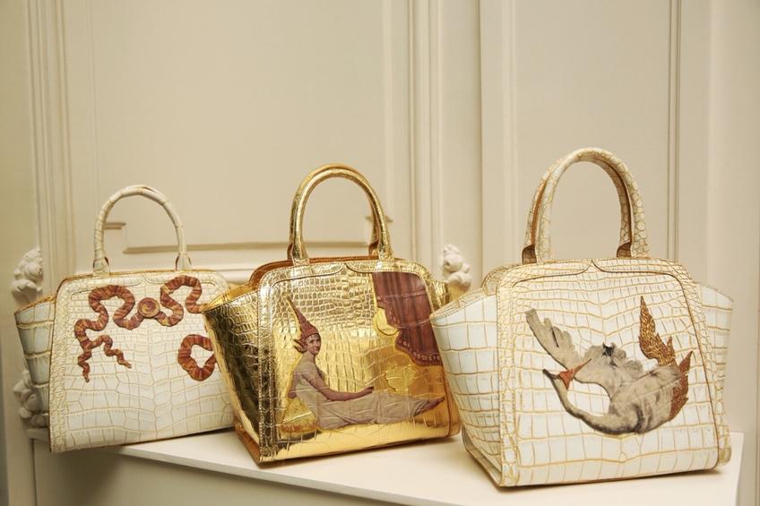 ส่องแฟชั่น เหวินจวิน (Wenjun) Influencer ชาวจีน คอมพลีทลุคสวย ถือกระเป๋าแบรนด์หรู เปเลวา (PELLEVAH)