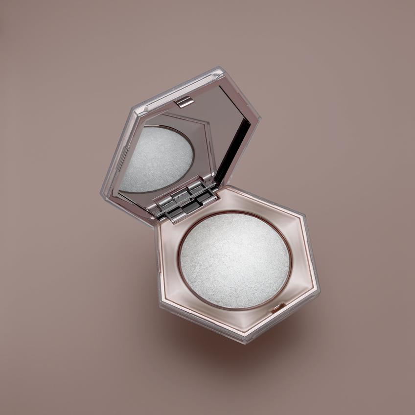 Fenty Beauty ฉลองครบรอบ 1 ปี ส่งคอลเล็คชั่นใหม่ DIAMOND ANNIVERSARY COLLECTION แวววาวราวกับเพชร!