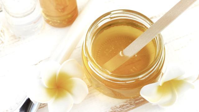 """How To """"สูตรพอกหน้า"""" ด้วย """"น้ำผึ้ง"""" ทำเองง่ายๆ เนรมิตหน้าสวยในพริบตา"""
