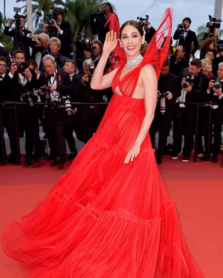 ฟินาเล่แบบแดงๆ ! ชมพู่ อารยา ปิดพรมแดงเมืองคานส์ 2019 ด้วยชุดสีแดงแซ่บๆ จาก Jean Paul Gaultier
