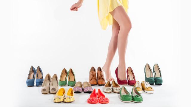 """How To แก้ """"รองเท้ากัด"""" แชร์เคล็ดลับเลือกซื้อ """"รองเท้า"""" สไตล์นางแบบ"""