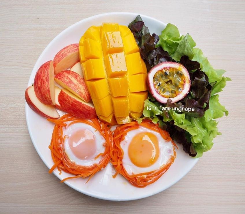 ไอเดียอาหารคลีน :ไข่ในรังแครอทนึ่ง