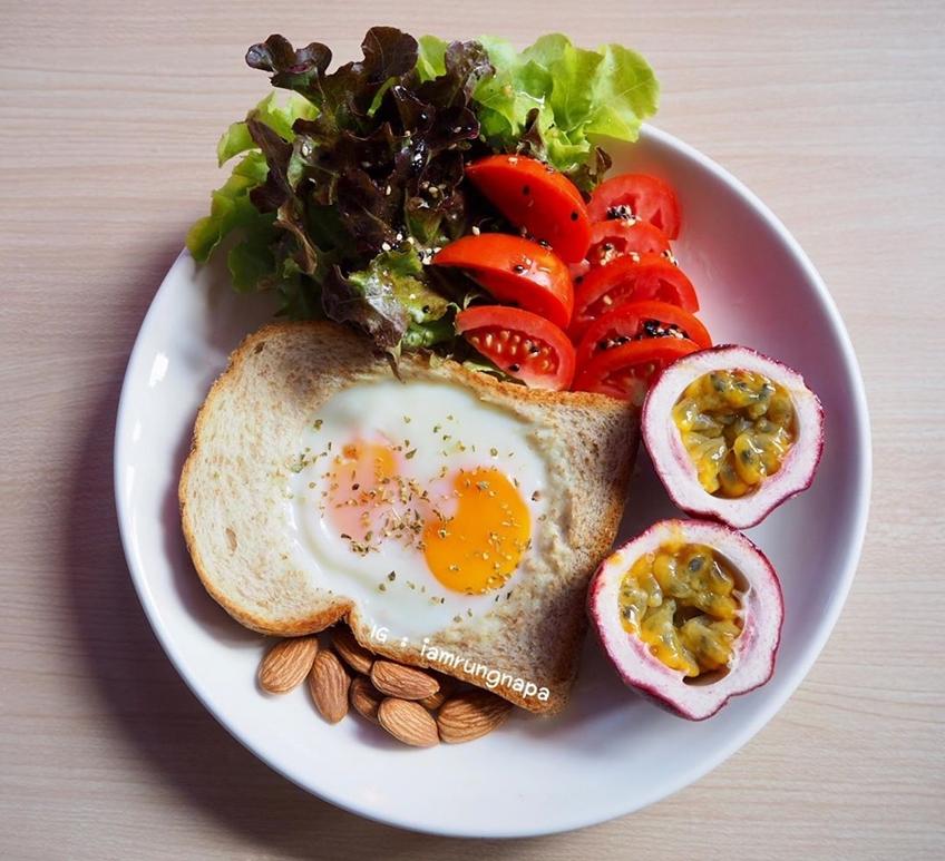 ไอเดียอาหารคลีน : ปังหลุมไข่คู่