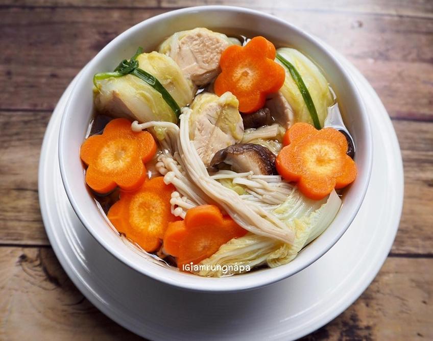 ไอเดียอาหารคลีน :แกงจืดสันในไก่ห่อผัก