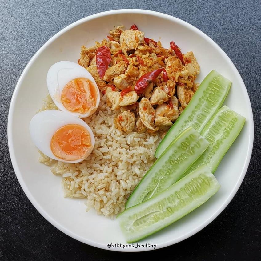 อาหารลดน้ำหนัก : อกไก่ผัดตะไคร้พริกแห้ง