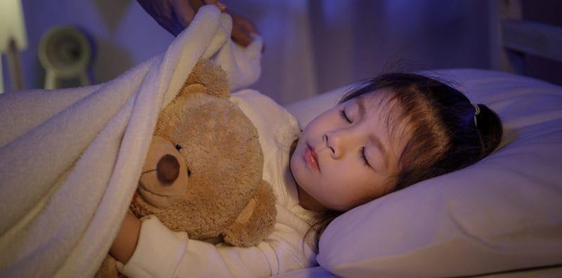 ความสำคัญในการนอนของเด็ก ประโยชน์ และเทคนิคดูแลลูกเพื่อป้องกันอันตราย
