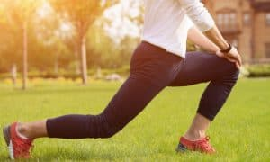 5 ท่าบริหารหัวเข่า แก้อาการปวดเมื่อย จากการนั่งทำงานเป็นเวลานาน