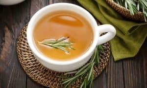 ชาโรสแมรี่ เครื่องดื่มจากสมุนไพร ที่อาจช่วยบำรุงสุขภาพภายใน