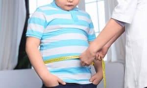 ลูกน้ำหนักเกิน ควรดูแลอย่างไร ให้เขาลดน้ำหนักได้แบบไม่เสียสุขภาพ