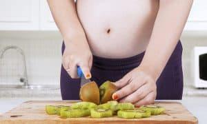 ประโยชน์ของกีวี่สำหรับคุณแม่ตั้งครรภ์ ดีทั้งระหว่างตั้งครรภ์และหลังคลอด